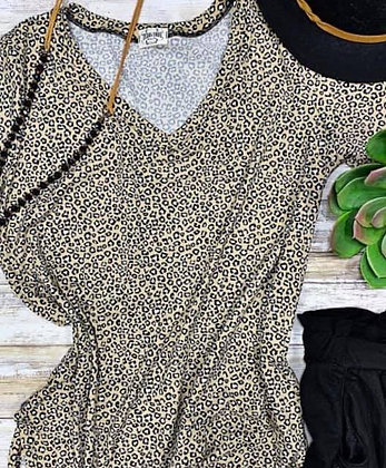 Leopard V-neck No Wrinkle Top