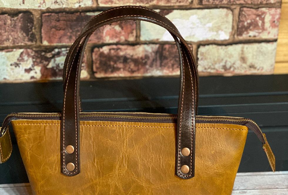 Ladies Tan Leather Ziptop Bag