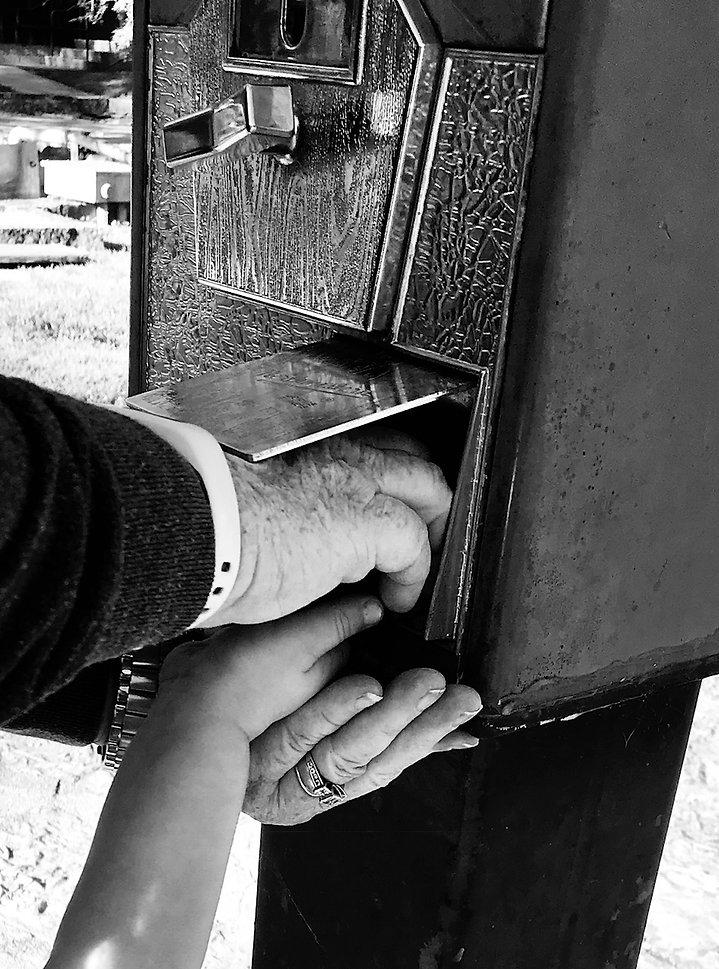 Nanas_Hands.jpg