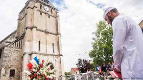 Ratusan Umat Muslim di Prancis Hadiri Misa