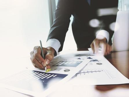 Spedytor i pośrednik przy przewozie rzeczy – różnice i podobieństwa
