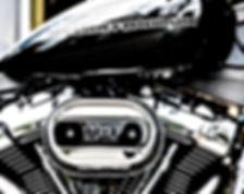 """Aus dem Englischen übersetzt-Der Harley-Davidson Milwaukee-Eight-Motor, auch bekannt als [The Wafflehead], ist die neunte Generation von """"Big Twin"""" -Motoren, die von der Firma entwickelt wurden, aber erst der dritte brandneue Big Twin von Harley seit 80 Jahren, der erstmals 2016 eingeführt wurde."""