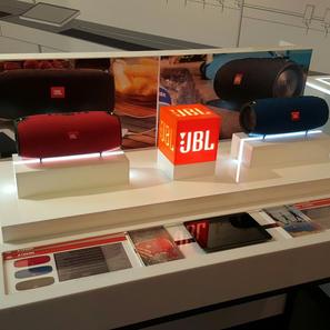 Interactive POP display