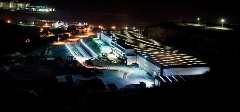 obal fabrika.png