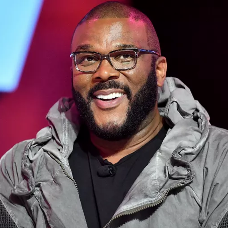 Tyler Perry Donates 5,000 Meals To Families At Thanksgiving Giveaway