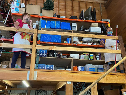 WarehouseVolunteers_PatriciaEstrada.jpg