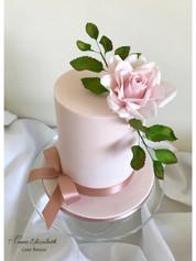 pink rose cake.jpg