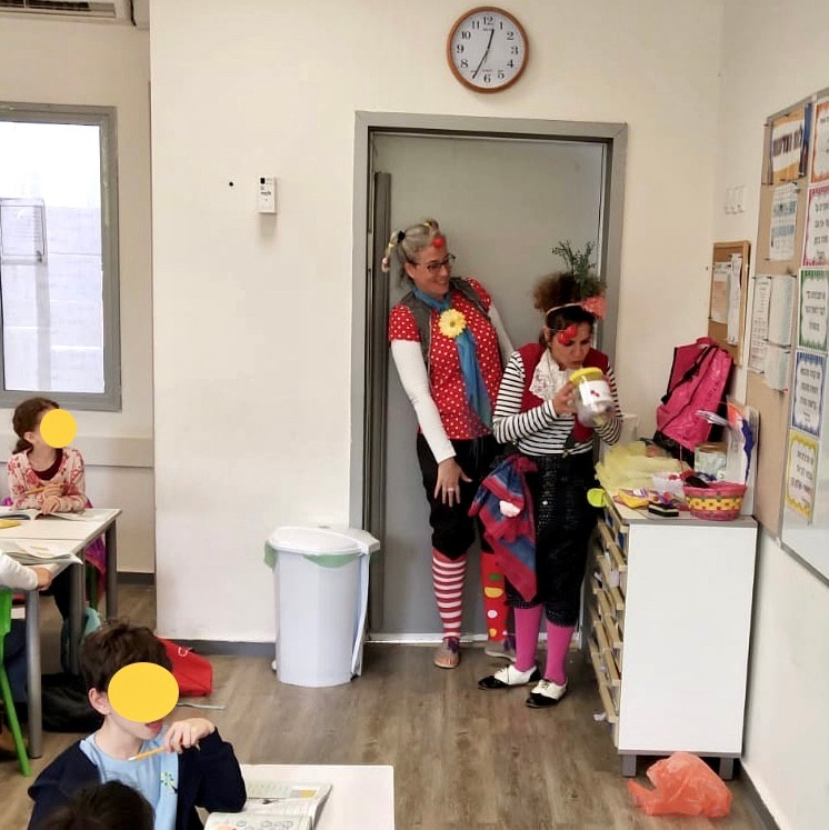 Educational clowns Leepa and Oshi in a school in Israel, Dec. 2018.