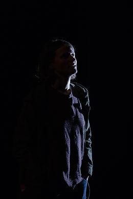 Laure dans l'ombre +.jpg