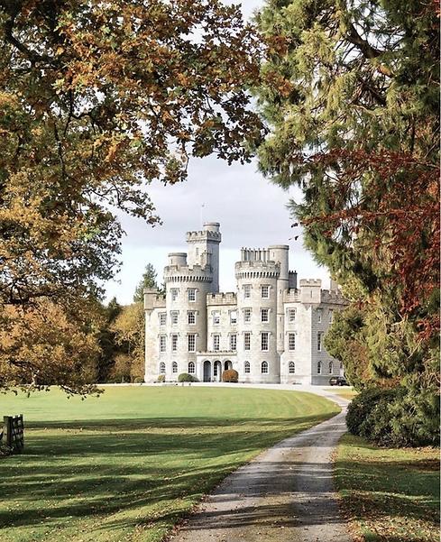 cluny-castle-autumn_orig.png