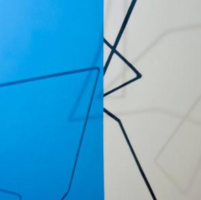 Geometrías de lo incierto  (Azul), 2020   Hierro y acrílico sobre MDF   100 x 80 x 70 cm.