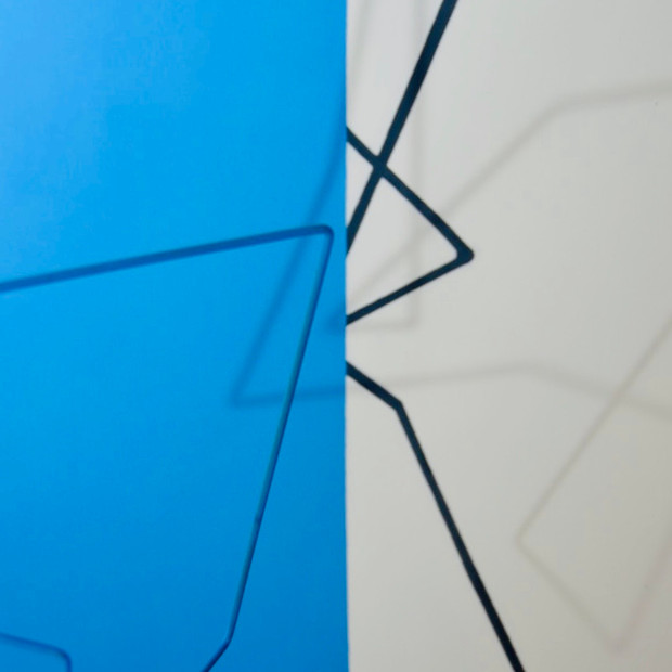 Geometrías de lo incierto  (Azul), 2019 | Hierro y acrílico sobre Mdf | 80 x 100 x 70 cm.