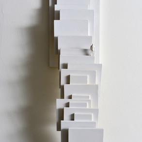Equilibrios tensionados, 2014   Escultura en madera   53 x 15 x 11 cm.
