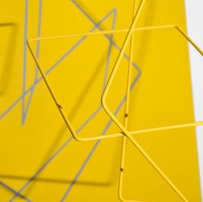 Geometría de lo incierto          (Amarillo), 2019   Hierro y acrílico sobre MDF   100 x 80 x 70 cm.