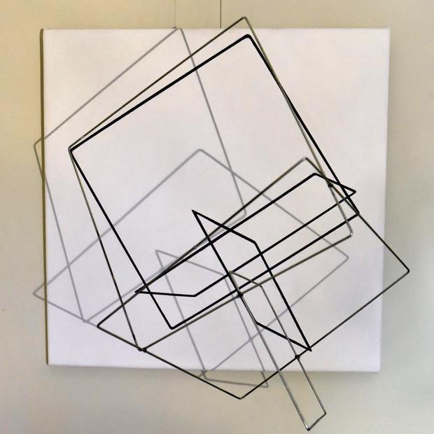 Geometría de lo incierto         (Blanco), 2018 | Aluminio y acrílico sobre canvas | 60 x 60 x 50 cm.