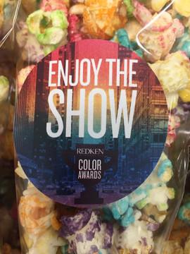 enjoy the show gekleurd