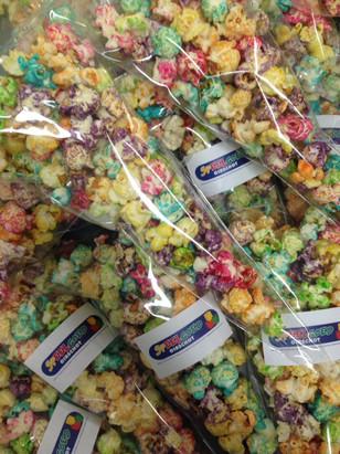 gekleurde popcorn woonbedrijf