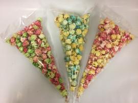 gekleurde popcorn uitdeelzakje