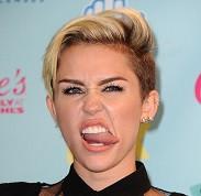 miley-cyrus-tongue-2