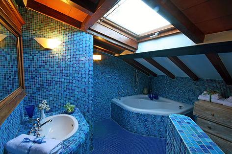 Bathroom Big (4).jpg