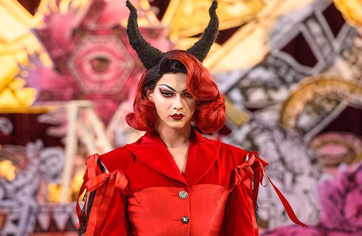 London Fashion Week by Vigilant Citizen.