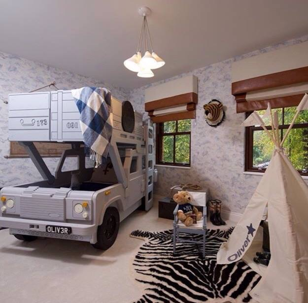 Land Rover 90 Bunk bed