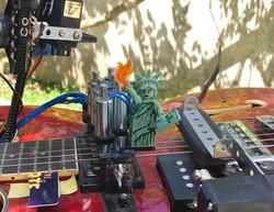 Guitare abs(.)hum (détail) 2016