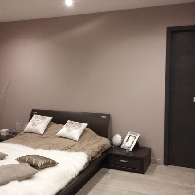 chambre-moderne-adulte-marron-0-1600x120