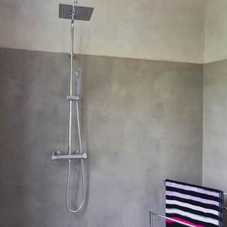 beton-cire-douche-entreprise-peinture-ha