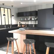 cuisine-verriere-noire-deco-design-e1461