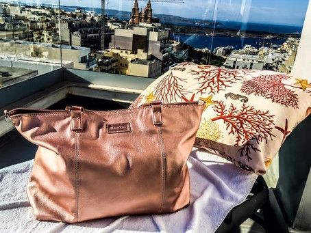 Blog - The BEST Travel Bag - Buy now with a HUGE price reduction!