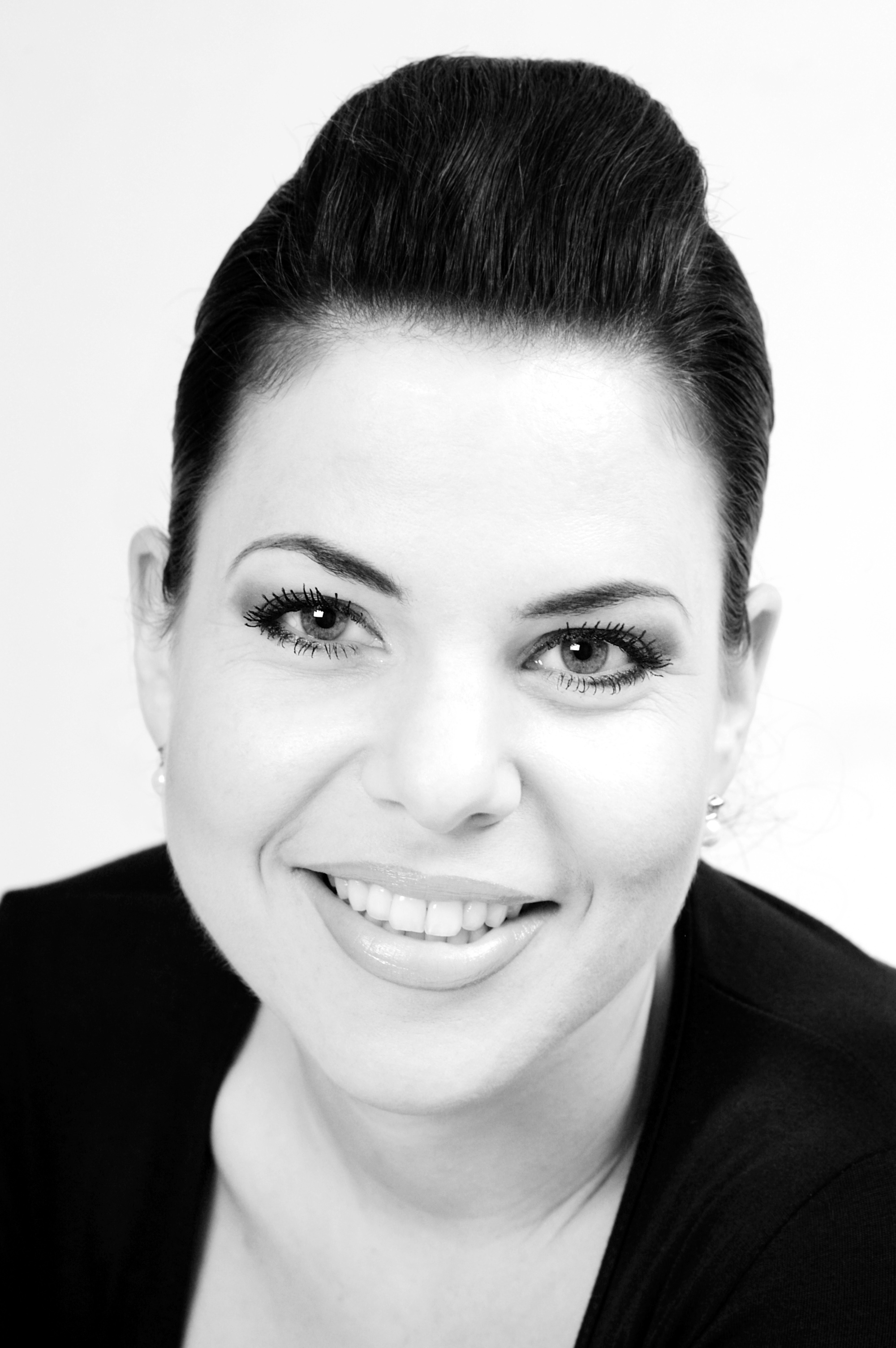 Arpiné Rahdjian Portrait 2