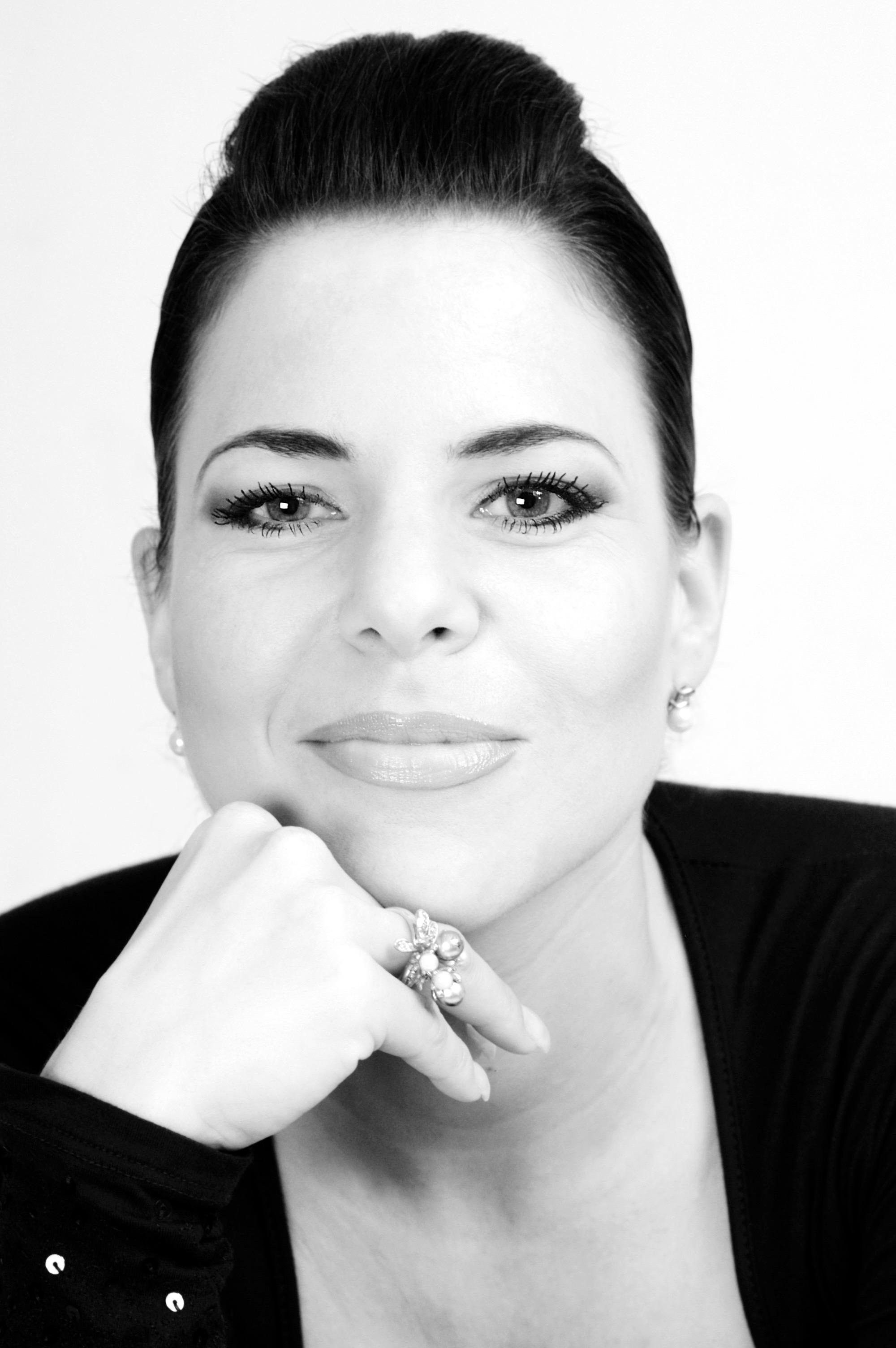 Arpiné Rahdjian Portrait 5