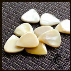 Jazz-Tones-Fat-White-Horn-1-Guitar-Pick-