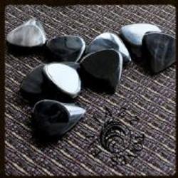 Jazz-Tones-Fat-Black-Horn-1-Guitar-Pick-