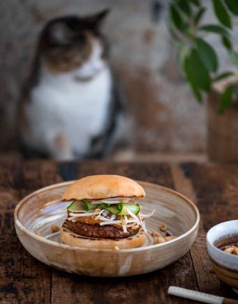 hamburger singapore - Milou van der Will
