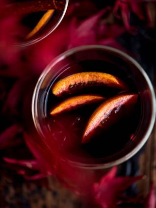 Kruidige warme wijn met sinaasappel
