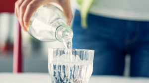 Plastic water bottles - what are the alternatives for cafes?