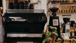 Case Study - Cafe ditches disposable coffee cups