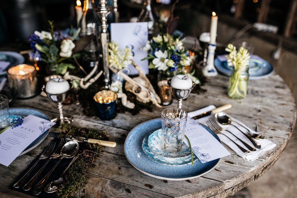 Table styling with Spring flowers
