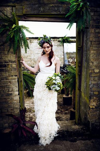 Fresh Spring flower bride