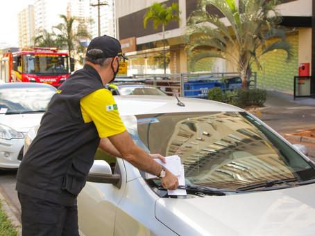 Detran realiza ação educativa para coibir a prática de estacionar em local proibido