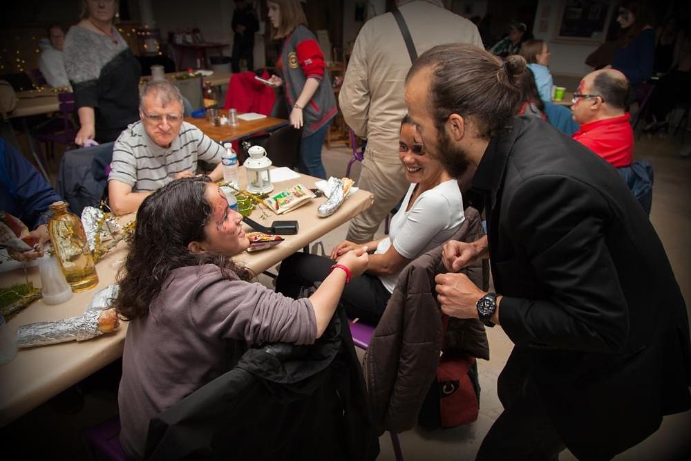 La Veillée Magique des 7 de Tables... Rencontre avec des personnes qui se donnent les moyens de faire rêver leur contemporain. Bravo les filles !