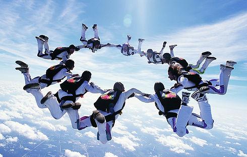 Skydivers_edited.jpg