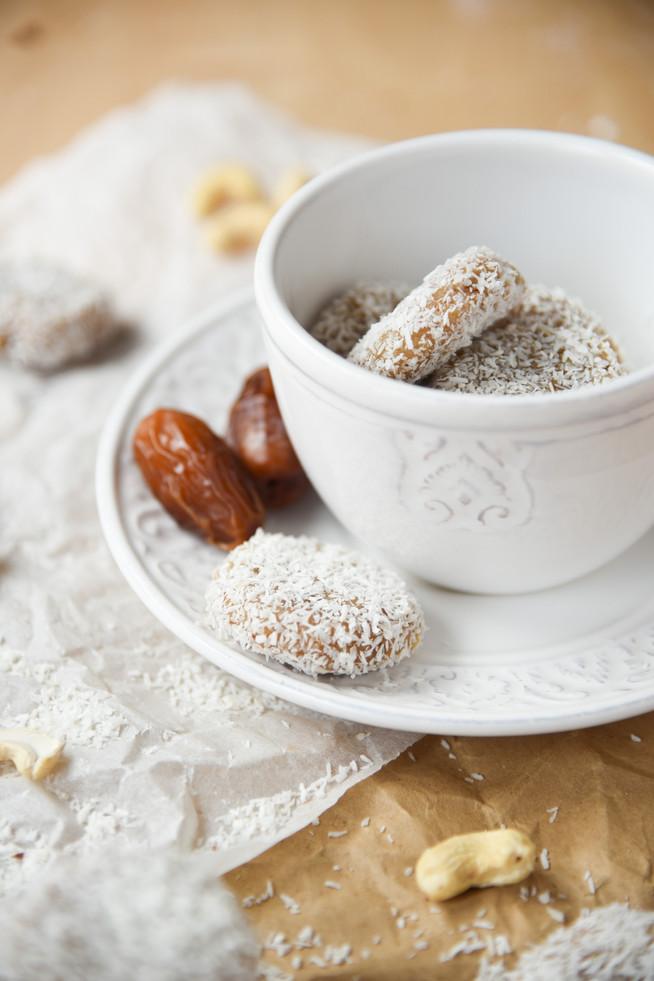 Tretí sladký recept bez pridaného cukru: Kokosovo-datľové kolieska