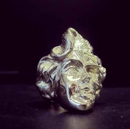 Brass Marilyn Monroe skull ring - Brass