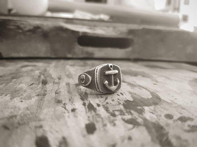Anchor Skull Signet Ring - Silver
