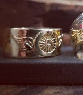Winged Freedom Wheel Ring -10K Gold