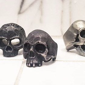 Decaying Skull Ring - Oxidized Silver