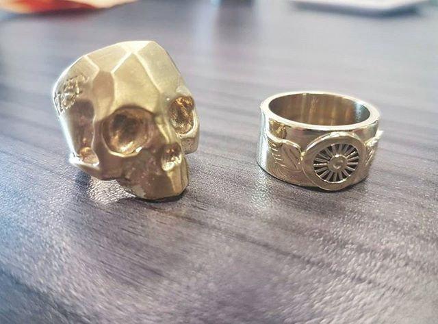 Live Fast Skull Ring - 10K Gold